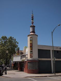 Mexico Theatre | Flickr - Photo Sharing! Streamline Moderne, Cn Tower, San Francisco Ferry, Theatre, Mexico, Art Deco, Architecture, Film, Building