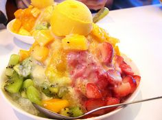Taiwanese Fruits Shaved Ice from Ice Monster in Taipei, Taiwan Taiwanese Shaved Ice, Bingsu, Mango Fruit, Taiwan Food, I Want To Eat, Cold Meals, Ice Cream Recipes, Shave Ice, Shaving