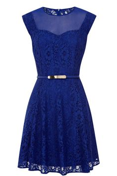 This adorable skater dress features a floral lace detail across the fabric with a sheer mesh insert on the front finsihed with a sweetheart neckline. The piece features cap sleeve styling and is nipped in at the waist with a skinny belt with metallic buckle fastening. The dress features a concealed zip fastening on the reverse.