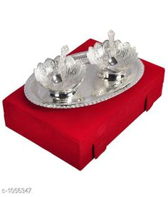 Table Cover Elite Brass Table Placemats Material : Brass Size(L X W X H): 10 in x 7 in X 2.5 in Description :It Has 2 Pieces Of Bowl2 Pieces Of Spoons & 1 Piece Of Tray Country of Origin: India Sizes Available: Free Size   Catalog Rating: ★4.2 (444)  Catalog Name: HATHI BOWL TWO TONE SET OF 5 PCS CatalogID_128786 C129-SC1637 Code: 724-1056347-4701