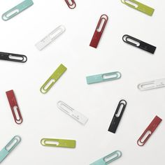 Giant paperclip USB flash drive by Japanese designers Nendo