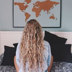 50 Smokin' Hot Long Curly Hairstyles Tight waves by Karina Natural Wavy Hair, Long Wavy Hair, Long Hair Cuts, Natural Hair Styles, Natural Waves, Blonde Curly Hair Natural, Wavy Hair Perm, 3a Curly Hair, Tight Curly Hair
