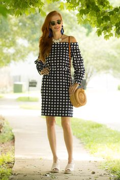 Turning Heads Linkup – Gingham Print Dress, Straw Bag and Floral Statement Earrings