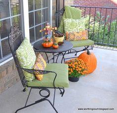 Fall decor for the Front Porch Fall deco. - Fall decor for the Front Porch Fall decor for the Front Por - Diy Outdoor Furniture, Outdoor Decor, Outdoor Ideas, Outdoor Spaces, Outdoor Living, Fall Party Themes, Diy Porch, Porch Ideas, Patio Ideas