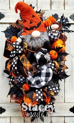 Christmas Mesh Wreaths, Deco Mesh Wreaths, Holiday Wreaths, Winter Wreaths, Floral Wreaths, Spring Wreaths, Summer Wreath, Vintage Halloween, Fall Halloween