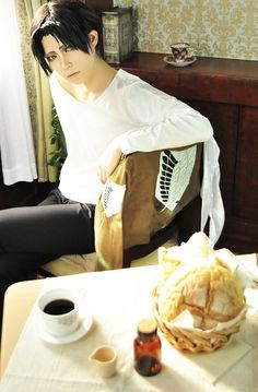 Shingeki no Kyojin (Rivaille) (Cosplay) Ohayou, Heichou! What do you want for breakfast?