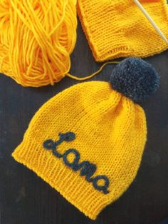 Personalised Knit Hat, Baby Knit Hat, Knit Hat with Name, Baby Hat, Baby Shower Gift, Newborn Photoprop by DandelionWoolDesign on Etsy Knitted Booties, Baby Booties, Knitted Hats, Wool Socks, Knitting Socks, Baby Knitting, Beer Socks, Nose Warmer, Newborn Beanie