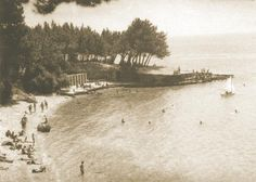Borak Beach in Bol in 1933 - Celebrating 90 years of Tourism Tourism, Celebrities, Beach, Water, Outdoor, Turismo, Gripe Water, Outdoors, Celebs