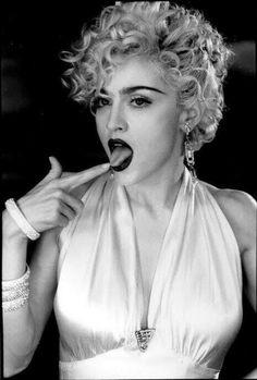 Madonna Vogue, Lady Madonna, Daft Punk, Veronica, Madonna Pictures, Divas, Ella Fitzgerald, Music Icon, Material Girls