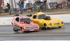 Funny Car Drag Racing, Funny Cars, Auto Racing, Nhra Drag Racing, Drag Bike, Drag Cars, Vintage Humor, Vintage Racing, Car Humor