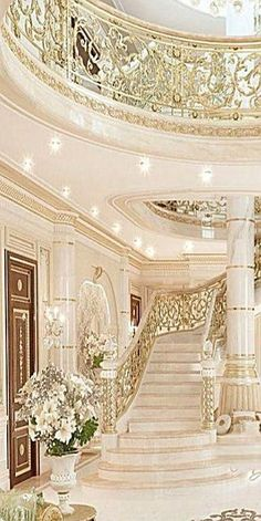 DIY home decor Stand out tips and examples for that amazing elegant home decor luxury beautiful Home Decor idea number 3007f19ecfadcce37716c5a26083a63f pinned on 20181230 #eleganthomedecorluxurybeautiful Palace Interior, Mansion Interior, Luxury Homes Interior, Home Interior Design, Luxury Staircase, Staircase Design, Elegant Home Decor, Elegant Homes, Dream Mansion