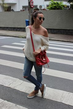 Tricô: Zara / Calça: BB customizada / Slip on: Schultz / Bolsa: Santa Lolla   Ph: Evandro Pezzi   Este look usei no feriado... ...