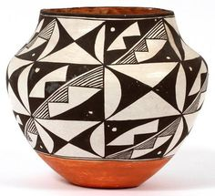 Acoma Pottery : Acoma Polychrome Olla 205 by CulturalPatina Southwest Pottery, Southwest Art, Native American Pottery, Native American Art, Ceramic Pottery, Ceramic Art, Painted Pottery, Outside Fire Pits, Fire Pots
