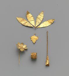 Gold leaf...Early Minoan II                      c.a. 2500-2200B.C./ the MET