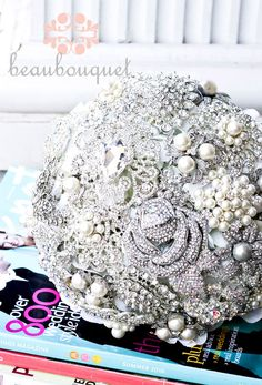 Heirloom Brooch Bouquet