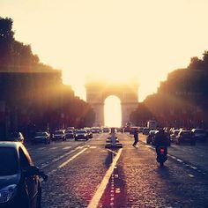 ► Chansons françaises by ChristianaAK | 8tracks | Handcrafted internet radio | French Favorites: An ever evolving mix