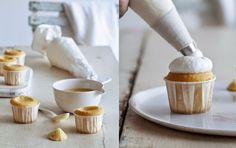 Imagen: www.mattbites.com   Necesitamos   60 gramos de azúcar  La ralladura de 1 limón  130 gramos de mantequilla  2 huevos  1 yema de h...