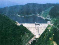 日本一大きい重力式コンクリートダム*宮ケ瀬ダム*管理者*関東地方整備局 - 日本一長い重力式コンクリートダム(群馬県)