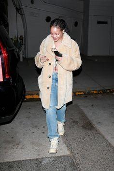 Rihanna Fenty, Canada Goose Jackets, Winter Jackets, My Style, Winter Coats, Winter Vest Outfits