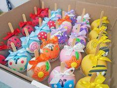 Maçãs decoradas em chocolate colorido e temas de joaninha, abelhinha, flores, borboletas para a sua festa no Jardim, Sininho, Tinkerbell, Joaninha... Com laço.