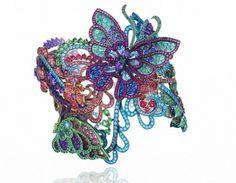 La nueva colección de #AltaJoyería 2016 de #Chopard está inspirada en los colores de #Primavera.