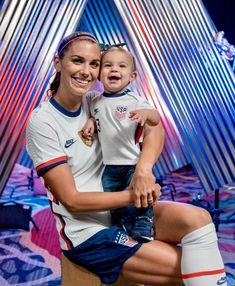 Usa Soccer Team, Good Soccer Players, Team Usa, Soccer Pictures, Soccer Pics, Soccer Jokes, Soccer Stars, Sports Stars, Alex Morgan Soccer