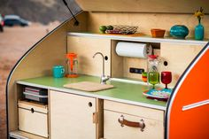 Timberleaf Turns the World into your RV | Man of Many