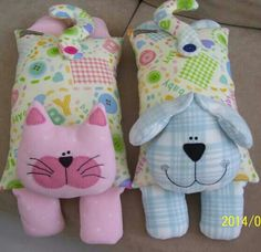 Sewing Toys These would made great hot water bottle covers or could have rice inside to microwave for moist heat. Sewing Toys, Sewing Crafts, Sewing Projects, Sewing Stuffed Animals, Stuffed Animal Patterns, Fabric Toys, Fabric Crafts, Doll Patterns, Sewing Patterns