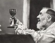 5 Curiosos fatos que talvez você não saiba sobre o Padre Pio e seu anjo da guarda. Confira agora mesmo nesse texto.