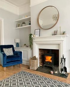 The timeless design works just as well in the living room as in the bathroom. Log Burner Living Room, New Living Room, Living Room Interior, Home And Living, Living Room Decor, Cottage Living Rooms, Dining Room, Alcove Ideas Living Room, Living Room Designs
