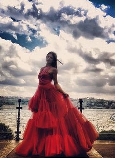 "Demet Özdemir in ""Early Bird"" as a model Turkish Women Beautiful, Turkish Beauty, African Prom Dresses, Girls Dresses, Fashion Tv, Fashion Outfits, Turkish Fashion, Foto Pose, Turkish Actors"