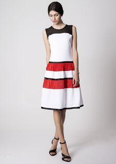 """""""La moda es un lenguaje instantáneo"""" Miucca Prada Imagen: vestido Felisa. Colección Nubbe Clothes #SS17 ¿Qué os parece el #vestido Felisa? Nos encantan sus tonos rojos combinados con negro y blanco, transmiten un toque #alegre y #elegante. http://nubbeclothes.com/sh…/vestidos-y-monos/vestido-felisa/"""