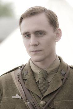 Tom Hiddleston as Captain Nicholls in War Horse. Such a beautiful photograph!