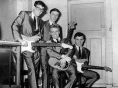 A Pictorial History of Stockton-on-Tees Hank Marvin, Stockton On Tees, Mark Knopfler, Uk Music, Music Charts, Vintage Guitars, Number One, Music Artists, Rock Bands