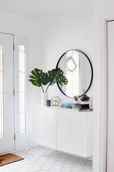 Ideas for apartment entryway storage ikea hacks Entryway Storage, Foyer Decorating, Small Decor, Interior, Entryway Decor Small, Small Apartment Therapy, Home Decor, House Interior, Space Apartments