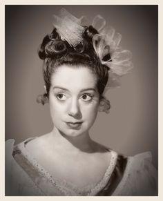 Portrait promotionnel, 1930s Conrad Veidt, Elsa Lanchester, Hollywood Stars, Classic Hollywood, Claude Rains, Peter Lorre, Lon Chaney, Vincent Price, British Actresses