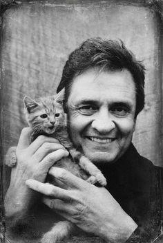 [Johnny Cash (1932-2003) - Actor y productor de cine estadounidense - 'el Hombre de Negro + gatito amigo', por Brett Jordan] » American actor and film producer - the Man in Black + kitten friend