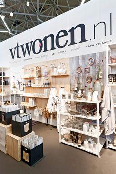 vtwonenhuis Woonbeurs Amsterdam 2014 | Styling: Fietje Bruijn | Photographer: Barbara Kieboom #vtwonen #Woonbeurs #Amsterdam #interior #stand #decoration #candles #vase #shop