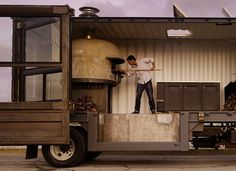 Jon Darsky's SF based mobile pizzeria is housed in a twenty-foot transatlantic shipping container that's been re-purposed and modified into a kitchen which features a 5000 ld Stefano Ferrara traditional Italian-made wood burning oven. Design Pizzeria, Logo Pizzeria, Pizza Restaurant, Restaurant Ideas, Restaurant Design, Wood Burning Oven, Wood Fired Oven, Wood Fired Pizza, Shipping Container Restaurant