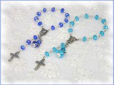 Taufrosenkranz mit Engel, Farbwahl blau türkis,  von Alpen-Juwel auf http://de.dawanda.com/product/80587699-Taufrosenkranz-mit-Engel-Farbwahl-blau-tuerkis