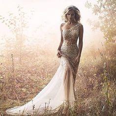 Effortlessly chic in @jovanibridal! Wow. #JovaniBridal #Jovani #glamour #chic #modernbride #brides #bridalgown #weddingdress #bridalstyle #bridalfashion #gettingmarried #ido #justengaged #engaged #effortless #beauty #love #futuremrs #2016bride #luxurywedd