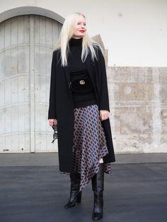 Mode Trend/ Style/ Styling Asymmertischer Zara Rock mit Muster und Gucci Belt. Mehr auf meinem Mode Blog Sandra-Levin.
