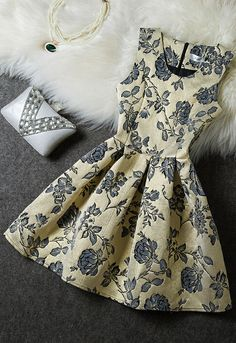 Embroidered Sleeveless Dress ♦F&I♦ Casual Dresses, Short Dresses, Prom Dresses, Sleeveless Dresses, Skater Dresses, Quinceanera Dresses, Jw Mode, Dress Skirt, Dress Up