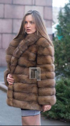 Sable Fur Coat, Fox Fur Coat, Mink Fur, Chinchilla, Fur Fashion, Womens Fashion, Winter Fur Coats, Style Guides, Mantel