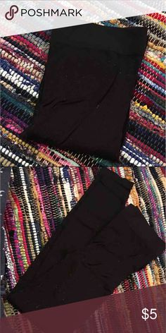 READ DESCRIPTION: Black Leggings Size XS, could fit a small as well. Excellent used condition! You can't tell they've ever been worn. No flaws. They have some fuzz stuck to them but all you have to do is lint roll them and you're good to go! Pants Leggings