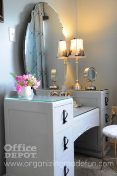 good ideas for organizing a vanity (especially since mine is a desk/vanitiy too!)