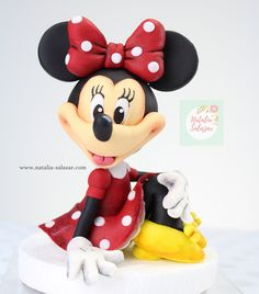 Minnie Mouse fondant cake topper Rice Krispies, Rice Krispie Treats, Minnie Mouse, Cake Decorating Techniques, Safe Food, Making Out, Cake Toppers, Fondant, My Etsy Shop