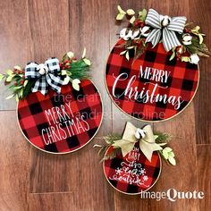 46 Trendy Embroidery Hoop Wreath Trendy Embroidery Hoop Wreath Htv What's embroidery ? Generally speaking, embroidery is just a specific means of textile processing, wh. Plaid Christmas, Christmas Signs, Homemade Christmas, Rustic Christmas, Winter Christmas, Diy Christmas Ornaments, Christmas Projects, Holiday Crafts, Christmas Wreaths