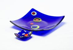 """""""Square Curved-Corner Stepping Stone Plates: Deep Blue"""" - 1.5""""x11""""x11"""" and 1""""x3""""x3"""""""