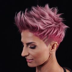 Gorgeous Undercut Rose Gold Pixie Haircuts for 2018 Wanna make you look more attractive by wearing the trendy short hair looks? See here our best styles of undercut short pixie rose gold hairstyles and haircuts for best hair looks in Haircut For Older Women, Short Hair Cuts For Women, Short Hair Styles, Short Pixie Haircuts, Pixie Hairstyles, Cool Hairstyles, Edgy Haircuts, Short Edgy Hairstyles, Corte Pixie